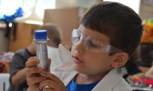 scientist in school kid image