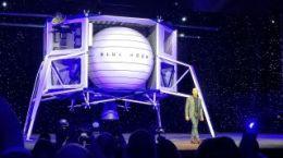 Blue Origin Unveils 'Blue Moon,' Its Big Lunar Lander |Space