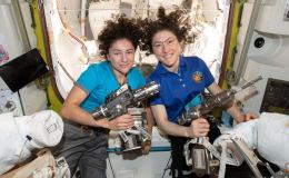Watch these NASA astronauts perform the 1st all-female spacewalk | CBCNews