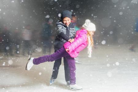 50161035_s-skaters